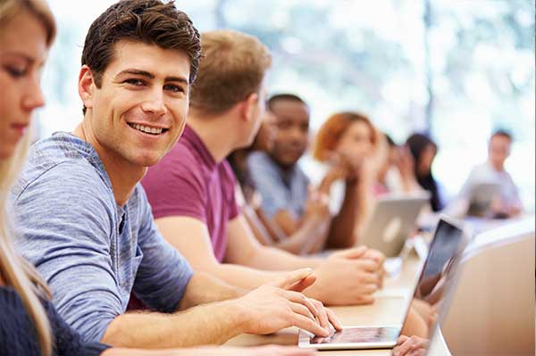 Karriere bei IGH Infotec? Wir suchen auch Studenten.